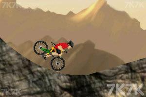 《山地自行车挑战赛》游戏画面2