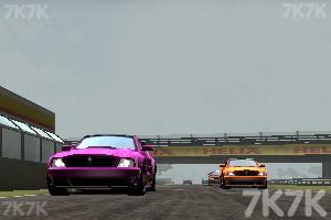 《公路飙车》游戏画面1
