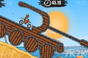 《摩托障碍挑战》游戏画面1