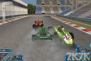 《F1弯道赛》游戏画面3