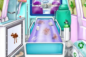 《护士清洁救护车》游戏画面3