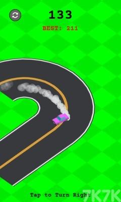 《右向漂移》游戏画面2