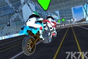 《绝技摩托赛》游戏画面1