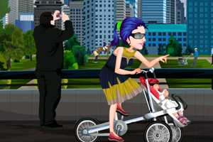 装扮时尚妈妈骑车