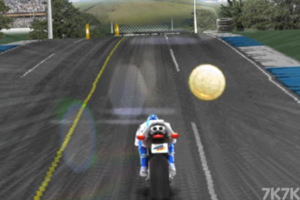 《狂飙摩托车无敌版》游戏画面2